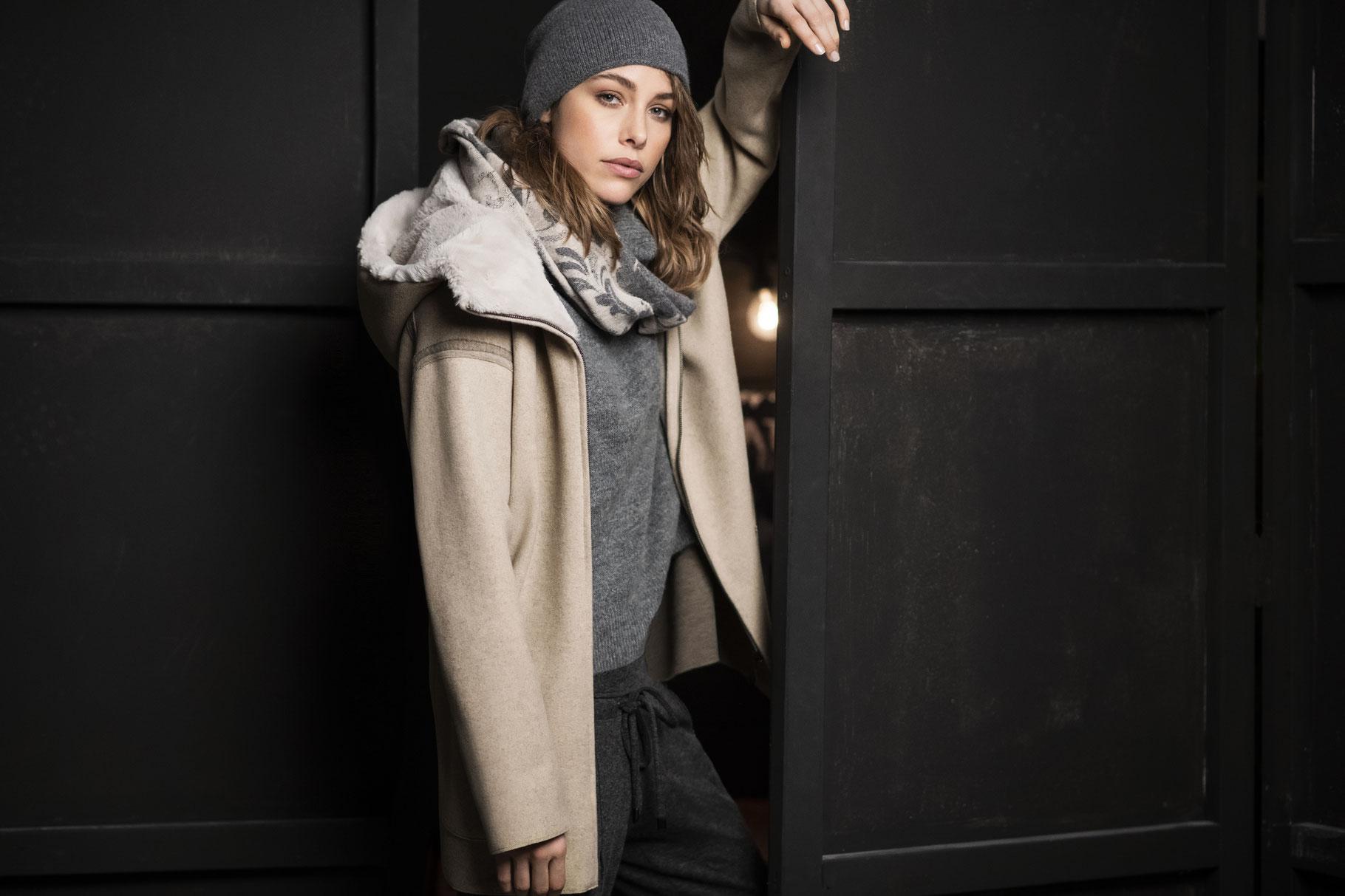 Jacke mit Kapuze von White Label Gr. 36