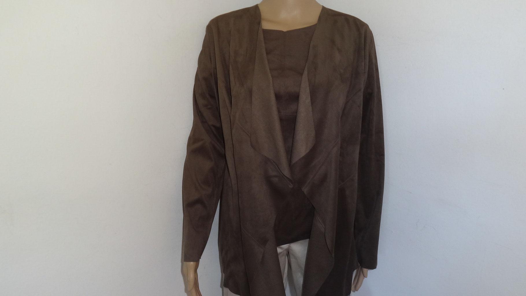 Jacke in Velours Leder Optik passend zum Shirt von SANI BLU